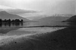 Lago di Como, struttura di film, macchina fotografica analogica in bianco e nero Fotografie Stock
