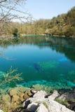 Lago di Cornino im Frühjahr lizenzfreie stockfotos