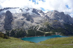 Lago di Fedaia стоковые фотографии rf