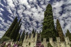 Lago Di Garda - άποψη του degli Italiani, σπίτι Vittoriale του ποιητή Gabriele Δ ` Annunzio Στοκ Εικόνα