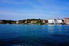 Lago di Garda e capital Sirmione Imagem de Stock