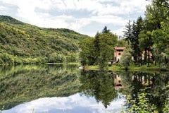 Lago di Ghirla & di x28; Varese, Italy& x29; Fotografia Stock Libera da Diritti
