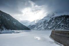 Lago di Livigno eller Lago del Gallo royaltyfri fotografi