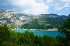 Lago di Sainte-Croix in Francia del sud Fotografia Stock Libera da Diritti