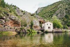 Lago di San Domenico, Abruzzo, Itália imagem de stock