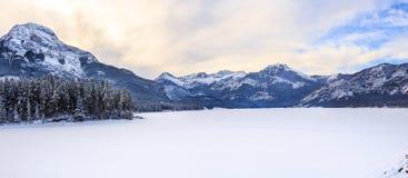 Lago di sbarramento, kananaskis Fotografia Stock Libera da Diritti