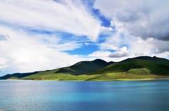 Lago di yumtso della Cina Tibet Yamdrok Fotografia Stock Libera da Diritti