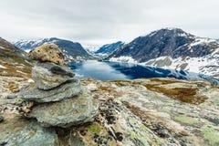 Lago Djupvatnet, Norvegia Immagini Stock Libere da Diritti