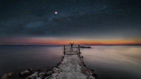 lago do garda pelo vigilio de san do punta da noite imagem de stock royalty free