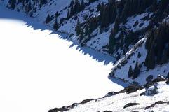 Lago do inverno da montanha Fotografia de Stock Royalty Free