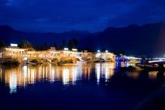 Lago dourado fotografia de stock
