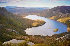 Lago dove, una visión desde la montaña de la cuna Fotos de archivo