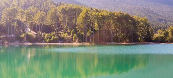 Lago Doxa in Grecia il giorno soleggiato Fotografie Stock