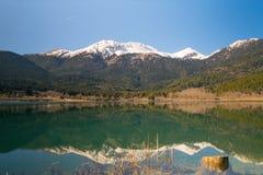 Lago Doxa in Grecia Una bella destinazione turistica Fotografia Stock Libera da Diritti