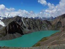Lago drammatico di kol dell'ala, Tien Shan, Kirghizistan Fotografia Stock Libera da Diritti