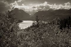 Lago duas medicine, parque nacional de geleira foto de stock royalty free