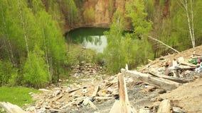 Lago dump waste poluindo a lagoa filme