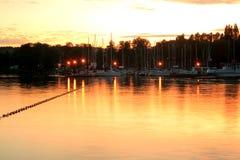 Lago durante la tarde Fotografía de archivo libre de regalías