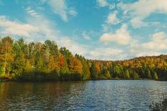 Lago durante a queda 2 Imagens de Stock Royalty Free