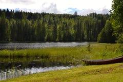 Lago e barca Fotografia Stock Libera da Diritti
