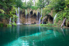 Lago e cachoeiras Fotografia de Stock
