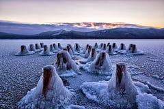 Lago e cais congelados Foto de Stock Royalty Free