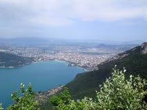 Lago e città annecy Fotografia Stock Libera da Diritti