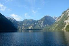 Lago e montagne Koenigssee Fotografie Stock Libere da Diritti