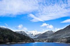 Lago e montanha british Columbia imagem de stock