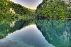 Lago e montanhas. Fotografia de Stock Royalty Free