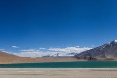 Lago e montanhas Fotografia de Stock Royalty Free