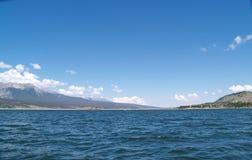 Lago e montanhas Imagem de Stock Royalty Free