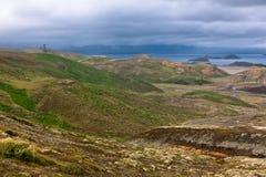 Lago e montes no parque nacional de Pingvellir, Islândia. Fotografia de Stock Royalty Free