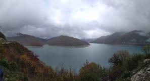 Lago e Mountain View fotografia de stock royalty free