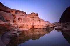 Lago e pedra Foto de Stock