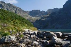 Lago e rocce Fotografia Stock Libera da Diritti