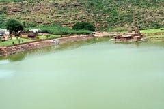 Lago e templos Fotografia de Stock Royalty Free