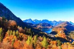 Lago e vista mountain alle alpi bavaresi Fotografia Stock Libera da Diritti