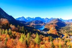 Lago e vista mountain alle alpi bavaresi Immagine Stock Libera da Diritti