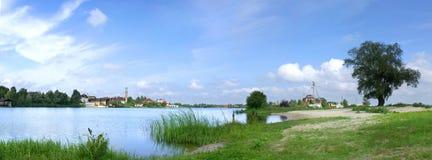 Lago ed albero Fotografia Stock