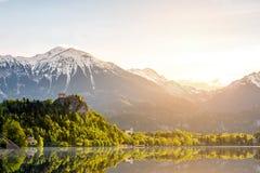 Lago ed alpi sanguinati in Slovenia Fotografia Stock Libera da Diritti
