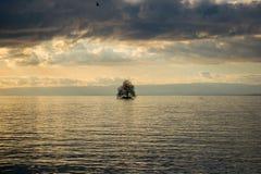 Lago ed isola Fotografia Stock