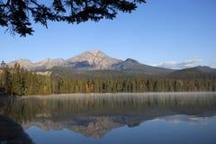 Lago Edith, diaspro, Alberta, Canada immagini stock