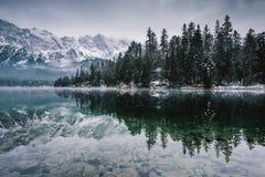 Lago Eibsee in tutta la sua gloria Fotografie Stock