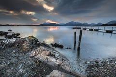 Lago Eishort y montañas en Skye en Escocia Fotografía de archivo libre de regalías