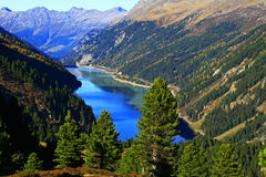 lago el Tyrol de la barrera Fotografía de archivo libre de regalías