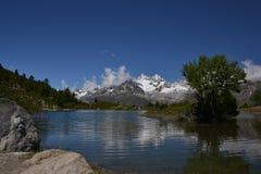 Lago em Switzerland imagem de stock