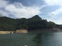 Lago em Transilvania imagens de stock