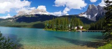 Lago emerald no parque nacional de Yoho Imagens de Stock Royalty Free