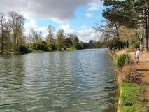 Lago en Bois de Boulogne en París Fotos de archivo libres de regalías
